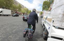 Tout comme les automobilistes, les cyclistes doivent respecter le code de la route.