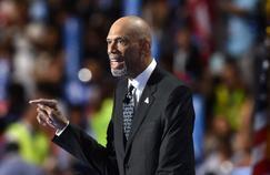 Kareem Abdul-Jabbar, soutien de Hillary Clinton pour les prochaines élections présidentielles aux Etats-Unis, a démonté l'idéologie conservatrice de Donald Trump.
