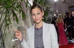 Giulia Enders gagne le premier prix d'un Science Slam, en 2012 (ici à Berlin en 2014).