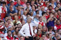 Avec une politique de transfert constamment remise en cause et l'absence de résultats sportifs, Arsène Wenger se retrouve aujourd'hui seul au monde à Arsenal.