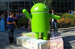 Une statue de la mascotte d'Android présentée le 30 juin au siège de Google.