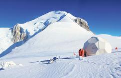 Le col du Dôme où se situe le chantier, à 4300 mètres d'altitude, dans le massif du Mont-Blanc.