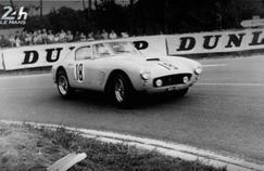 La voiture soeur de la Ferrari 250 GT n°18 de l'écurie américaine NART a été vendue aux enchères.