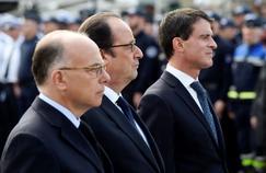 Bernard Cazeneuve, François Hollande et Manuel Valls à Versailles, le 7 juin 2016.