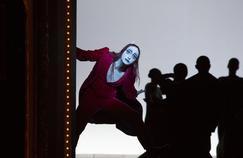 Le Berliner Ensemble, Bob Wilson, Goethe: c'est l'affiche de Faust I&2, au Théâtre de la Ville(IVe).