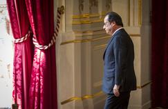 L'exécutif tente de faire croire à l'opinion que l'inversion de la courbe du chômage - promesse présidentielle qui doit permettre à François Hollande d'être candidat en 2017 à sa propre succession - est devenue réalité.