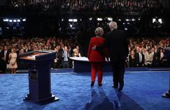 Hillary Clinton et Donald Trump à la fin de leur face-à-face.
