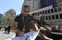 Aaron Smith lors de la parade des champions du monde néo-zélandais à Wellington en 2015.
