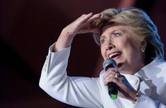 Hillary Clinton envisage la hausse du salaire minimum fédéral à 12,5dollars par heure (actuellement à 7,25dollars avec des différences entre les États).