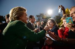 Hillary Clinton est largement en tête dans les sondages à deux semaines de l'élection présidentielle.