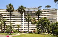 Jacqueline Veyrac préside notamment le conseil d'administration du Grand Hôtel de Cannes.