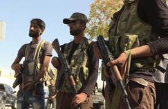 Une vidéo mise en ligne par l'agence Qasioun montre des combattants de l'opposition syrienne, le 16 octobre, à Dabiq, province syrienne d'Alep.
