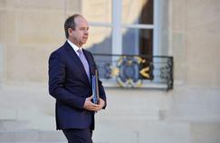 Jean-Jacques Urvoas a annoncé mardi la fin des cinq unités dédiées aux radicalisés en France.