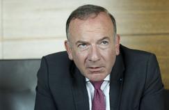 Pierre Gattaz, président du MEDEF, dans son bureau à Paris.