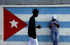 C'est ainsi que commencela révolution castriste: par des mensonges de Castro, jurant que la révolution était démocratiqueet n'avait rien à voir avecle communisme.