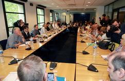 Les syndicats et le patronat réunis dans les locaux du Medef, lors des négociations sur l'assurance-chômage, le 16 juin, à Paris.