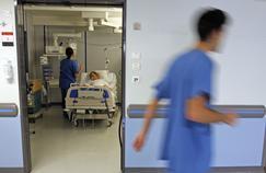 Les représentants des infirmiers réclament la fin des suppressions d'effectifs.