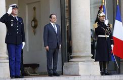 François Hollande sur le perron de l'Élysée, le 5 décembre 2016.