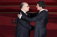 Passation de pouvoir entre Manuel Valls et Bernard Cazeneuve à Matignon