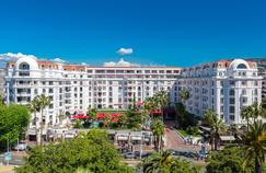 La façade de l'hôtel Majestic Barrière, à Cannes.