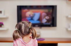 «Plusieurs études ont montré qu'au cours d'une journée, un enfant est exposé en moyenne à 2000 signaux commerciaux», assure le sénateur écologiste André Gattolin.