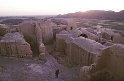 Le ressortissant français aurait été vu pour la dernière fois dans le village de Robat-Khan, près de Tabas (ci-dessus, le village de Pirhadjat, à proximité), aux portes du désert.