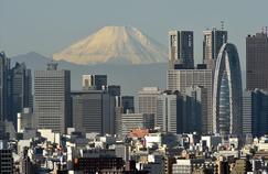 Le mont Fuji, à une centaine de kilomètres est visible depuis le centre-ville de Tokyo.