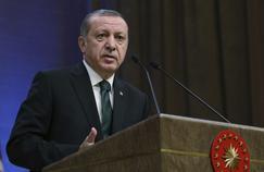 Erdogan n'hésite pas à interdire aux Turcs vivant dans les pays européens de s'assimiler à leur patrie d'adoption.
