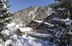 L'hôtel Huus à Saanen, tout proche de Gstaad, 148chambres dont 4suites qui disposent toutes d'un balcon.