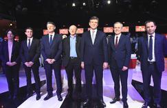 Les sept candidats à la primaire de la Belle Alliance populaire, avant le deuxième débat télévisé, dimanche.