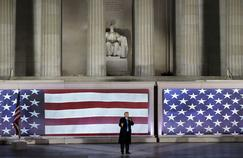 Donald Trump prononce un discours lors d'une cérémonie «pré-inaugurale» au Lincoln Memorial à Washington, le jeudi 19 janvier 2017.