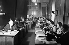Espace de travail dans les années 1930, à Paris