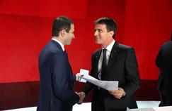 Benoît Hamon et Manuel Valls à Paris, le 15 janvier 2017.