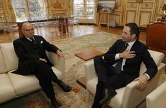 Le timide soutien de Bernard Cazeneuve à Benoît Hamon