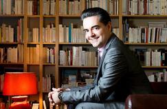 Guillaume Perrault - Journaliste au Figaro et auteur de livres sur le monde politique. Photographié chez lui, le 3 Février 2017.