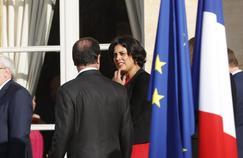 François Hollande (de dos) et Myriam El Khomri, début décembre à l'Élysée, après le premier conseil des ministres de l'ère Cazeneuve.