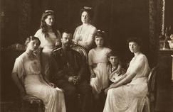 Le tsar Nicholas II et sa famille: Olga, Maria, Alexandra, Anastasia, Alexeï et Tatiana en 1914 (de gauche à droite).