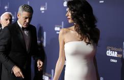 Georges Clooney et Amal, lors de leur arrivée à la salle Pleyel ce vendredi 24 février pour la cérémonie des César.