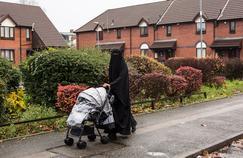 Dans la deuxième ville d'Angleterre, le niqab porté par les femmes ne surprend plus personne.