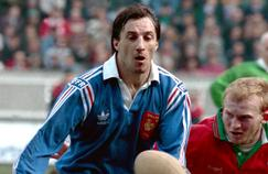 Le trois-quarts centre a porté à 111 reprises le maillot du XV de France.