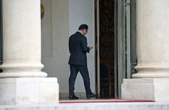 Dans leur livre-enquête, qui est paru jeudi 23 mars, les trois journalistes lèvent le voile sur la manière dont François Hollande a tenté d'utiliser le ministère de l'Intérieur et ses outils pour tenter de se faire réélire en 2017.