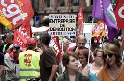 Au plus fort de la contestation contre la loi travail, entre 390.000 personnes (autorités) et 1,2 million (syndicats) avaient battu le pavé.