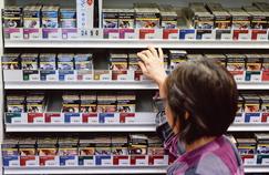 La Cigarette du Buraliste (LCB), qui sera commercialisée dans les prochaines semaines, pourrait être vendue dix centimes de plus que les paquets les moins chers (Gauloises, Lucky Strike).