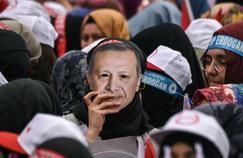 Istanbul, le 8 avril, lors d'une manifestation en faveur du renforcement des pouvoirs d'Erdogan.