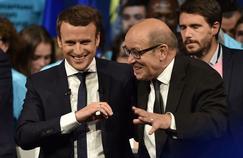 À Nantes avec Le Drian, Macron joue la carte régalienne
