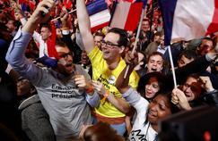 Les partisans d'Emmanuel Macron à l'annonce du résultat du premier tour.