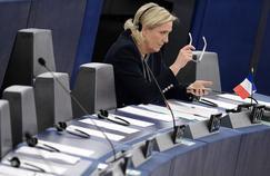 Les démêlés judiciaires entachent la campagne de Marine Le Pen.