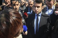 Emmanuel Macron en visite chez Whirlpool Amiens, le 26 avril 2017.