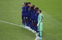 Les joueurs de Manchester United durant la minute de silence