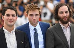 Benny Safdie, BRobert Pattinson et Josh Safdie ont réveillé jeudi la Croisette avec «Good Time».